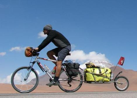 Touring with a mountain bike and trailer (photo from Pinterest)